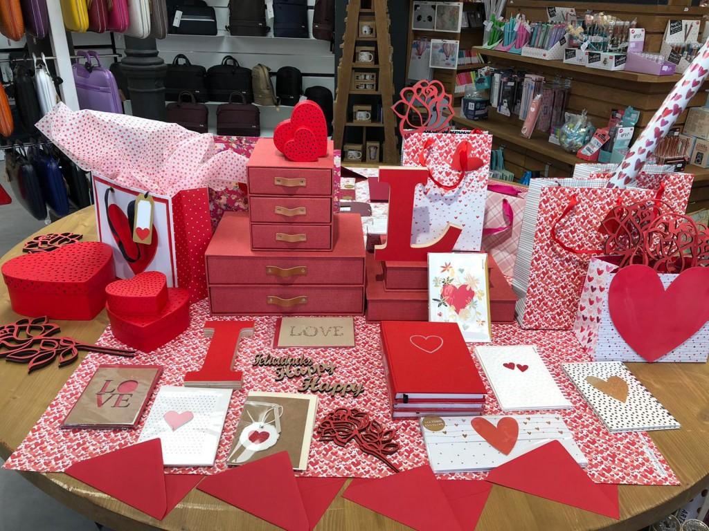 Nuestras tiendas se tiñen de rojo para celebrar contigo el mes del amor, llega San Valentín